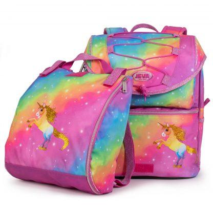 Die Sporttasche ist von der Schultasche getrennt