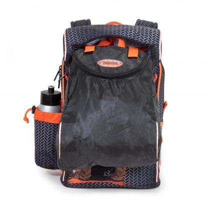 gymnastikposen kan fastgøres på skoletasken
